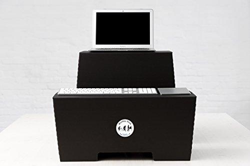 Stehschreibtisch MonKey Desk von ROOM IN A BOX - Large/Schwarz: Faltbares ergonomisches Stehpult, praktischer Ständer für Laptop, PC, Tablet und Monitor, klappbarer Standing Desk für den Schreibtisch